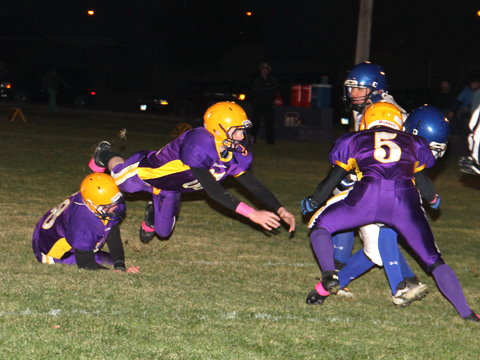 Bennett County tacklers against STM